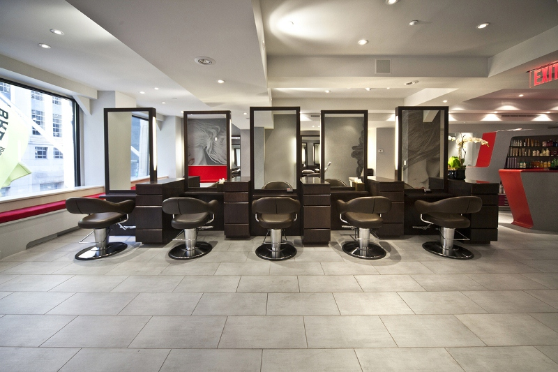 Why hair and beauty salons need public liability insurance for Pictures of beauty salon interior designs